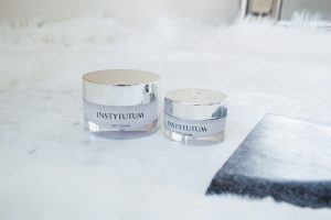 Beauty Blogger Lo Meyer discusses How to Get Your Best Complexion Using Instytutum   Instytutum Review