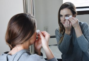 Beauty Blogger Lo Meyer of the Lo Meyer Blog discusses how to be Restful & Rejuvenated with VIIcode Oxygen Eye Mask
