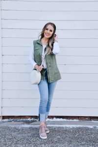 Fashion Blogger Lauren Meyer shares how to rock Spring Layers & Blush Sneakers