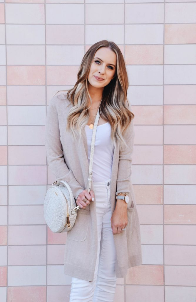 Fashion Blogger Lauren Meyer of The Lo Meyer Blog shares an Easy Chic Outfit for Spring & Her New Favorite Cardigan