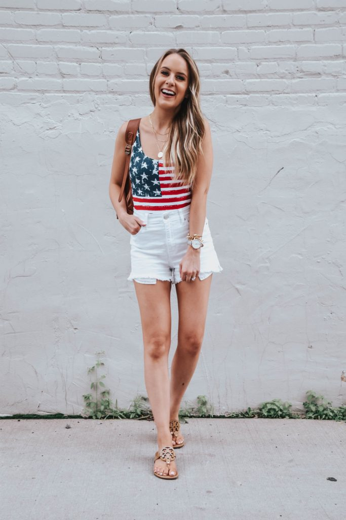 Popular Fashion Blogger Lauren Meyer of The Lo Meyer Blog shares Wha t to Wear for the 4th of July, 4th of July Outfit
