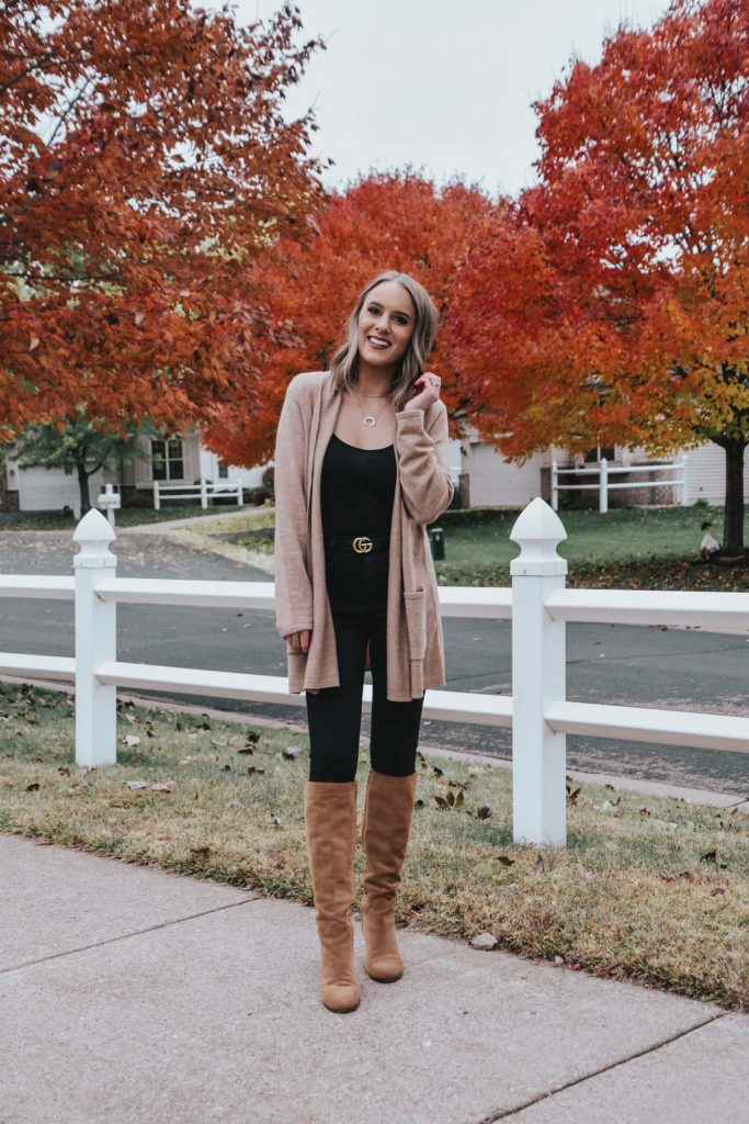 Popular Style Blogger Lauren Meyer of The Lo Meyer Blog shares an Easy Chic Fall Outfit