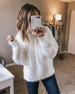 Popular Style Blogger Lauren Meyer shares an Affordable Nordstrom Fall Outfit Haul
