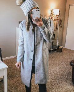 Popular Style Blogger Lauren Meyer of The Lo Meyer Blog shares The Best Women's Winter Coats & Accessories for 2018
