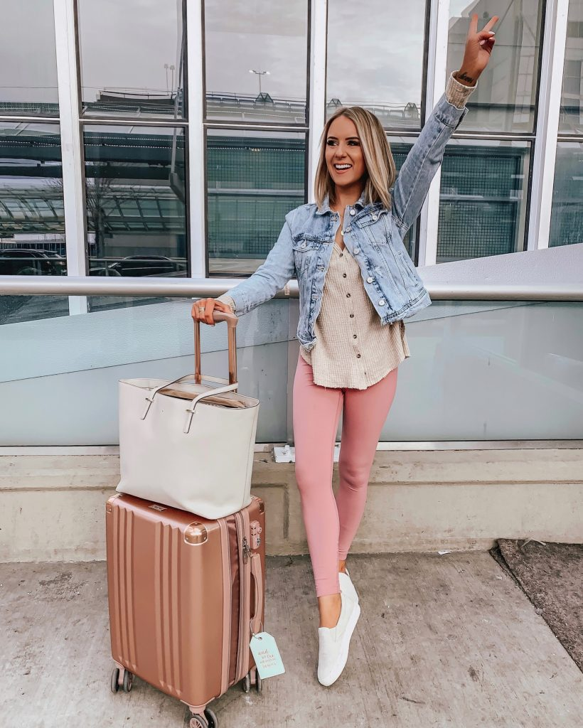 rStheCon 2019 ; Lauren Meyer of The Lo Meyer Blog shares a rsthecon recap + outfit roundup