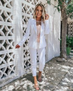 Affordable Summer Outfits + Weekend Sales! Style Blogger Lauren Meyer shares an Instagram Round Up + Weekend Sales!