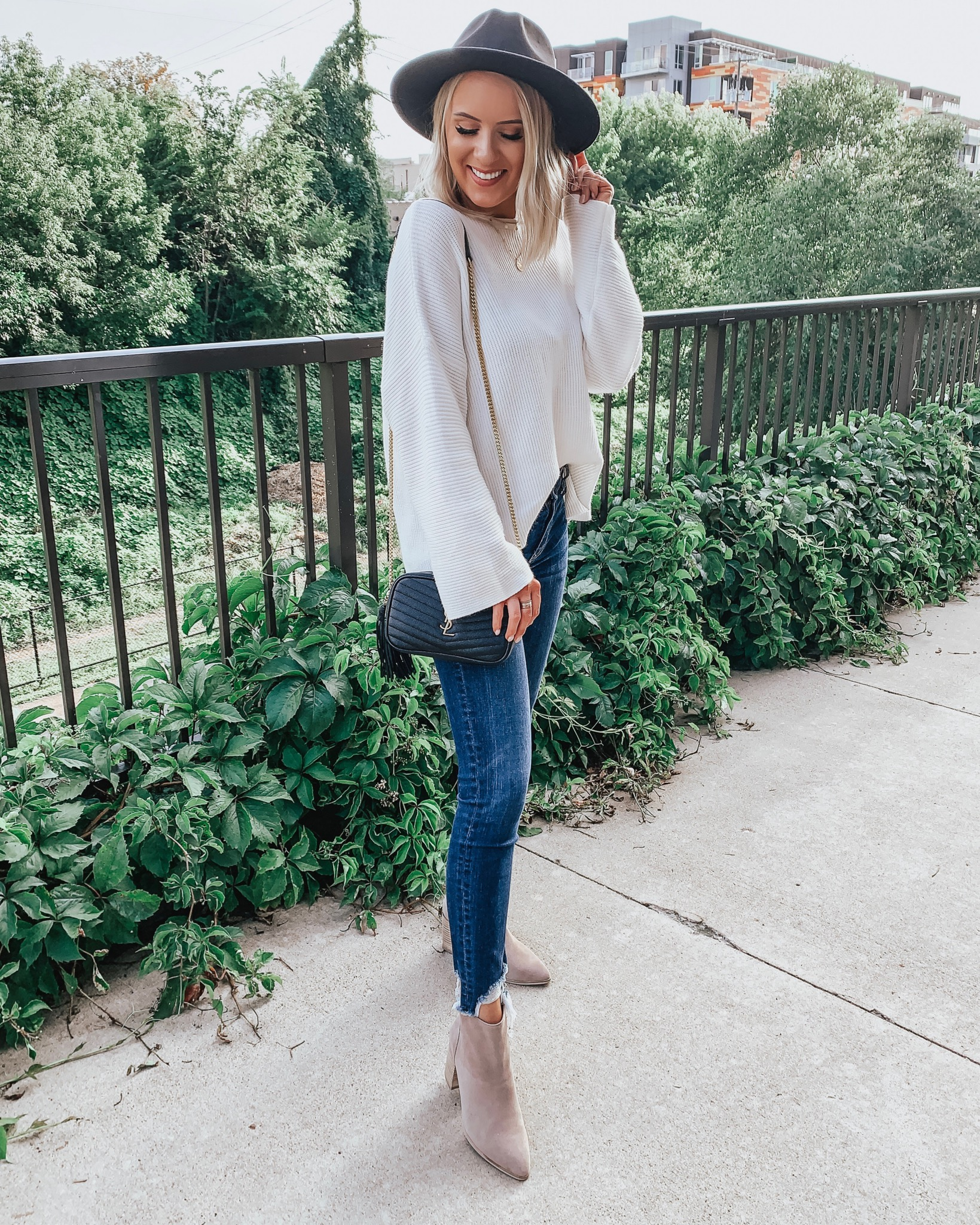 Affordable Fall Outfits | Style Blogger Lauren Meyer shares Affordable Fall Outfits