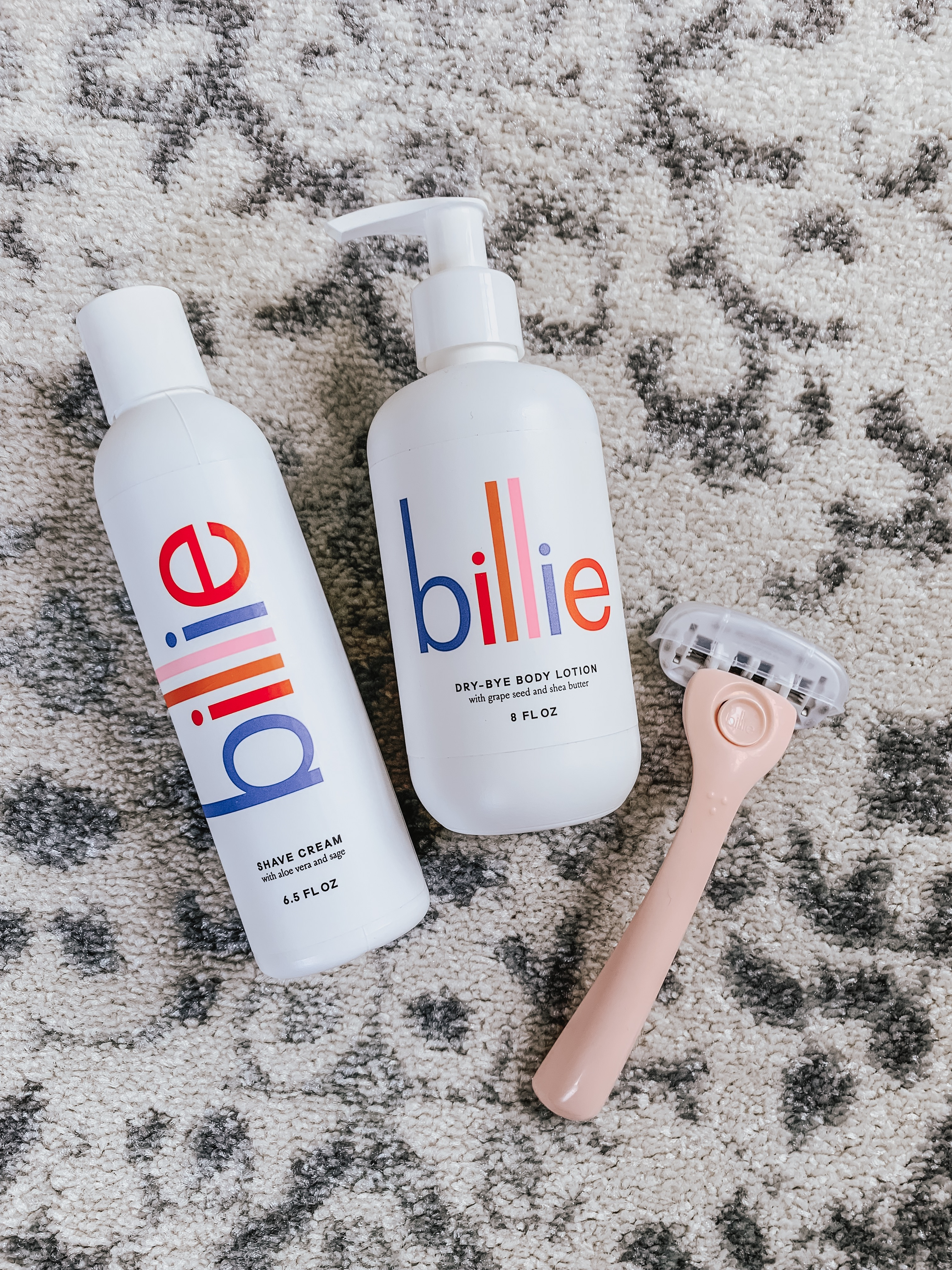 Billie Razor Review | Style Blogger Lauren Meyer shares why she stopped waxing and started shaving with the billie razor!