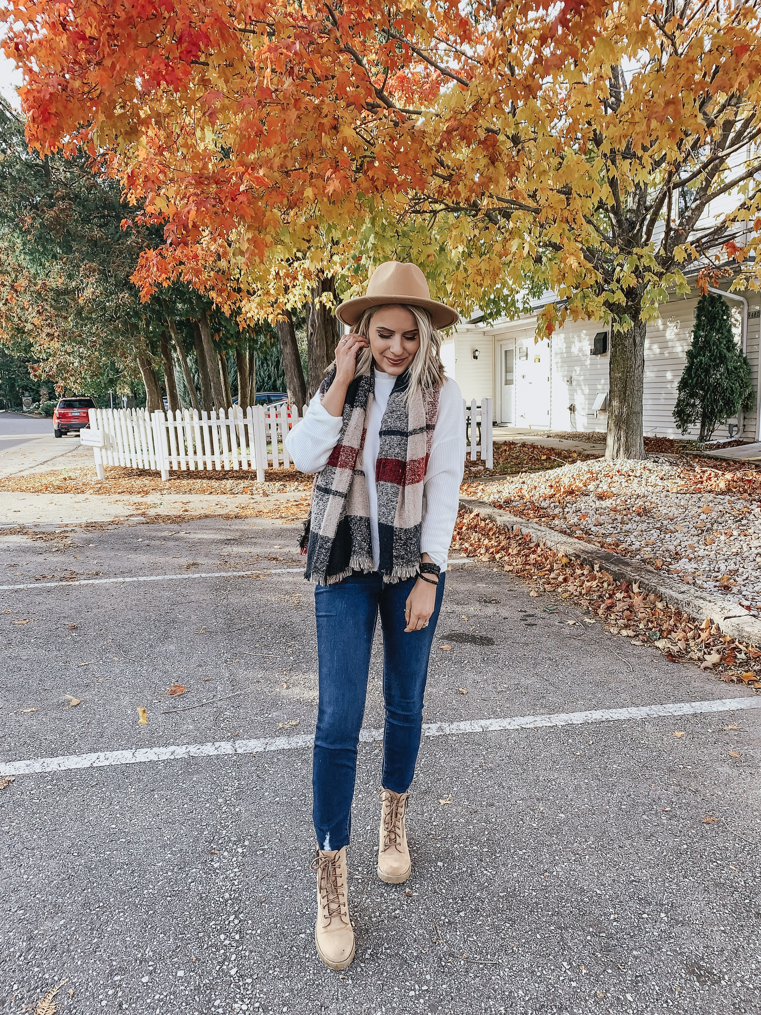Affordable Sweaters under $30 | Style Blogger Lauren Meyer shares her Cute Fall Sweaters under $30 from Walmart