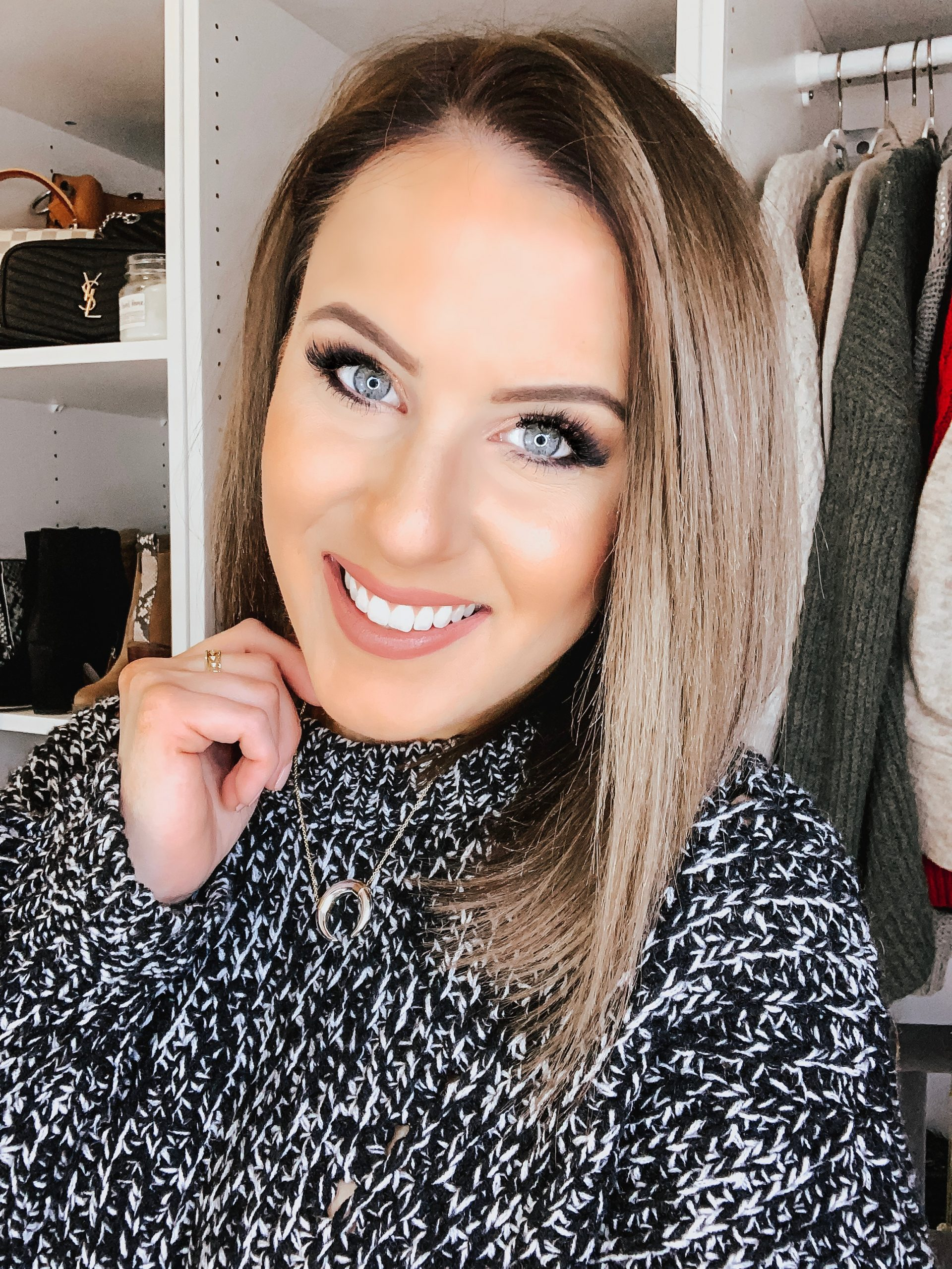 Easy Holiday Makeup | Style Blogger Lauren Meyer shares Easy Holiday Makeup