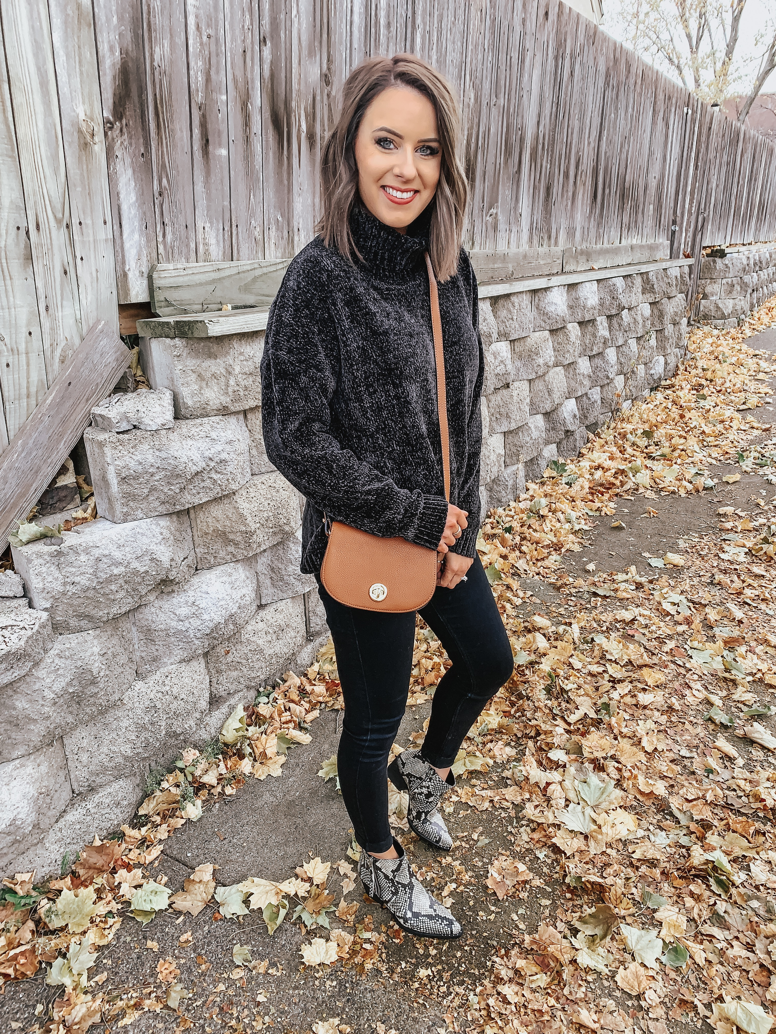 All Black Outfit from Walmart | Holiday Outfit from Walmart | Style Blogger Lauren Meyer shares an All Black Outfit from Walmart