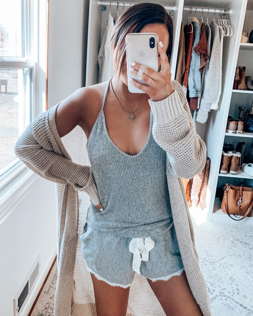 Loungwear and Comfy Clothes | Style Blogger Lauren Meyer shares Loungwear and Comfy Clothes