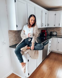 """How we flipped and """"renovated"""" our kitchen for $500   Style Blogger Lauren Meyer shares How we flipped and """"renovated"""" our kitchen for $500"""
