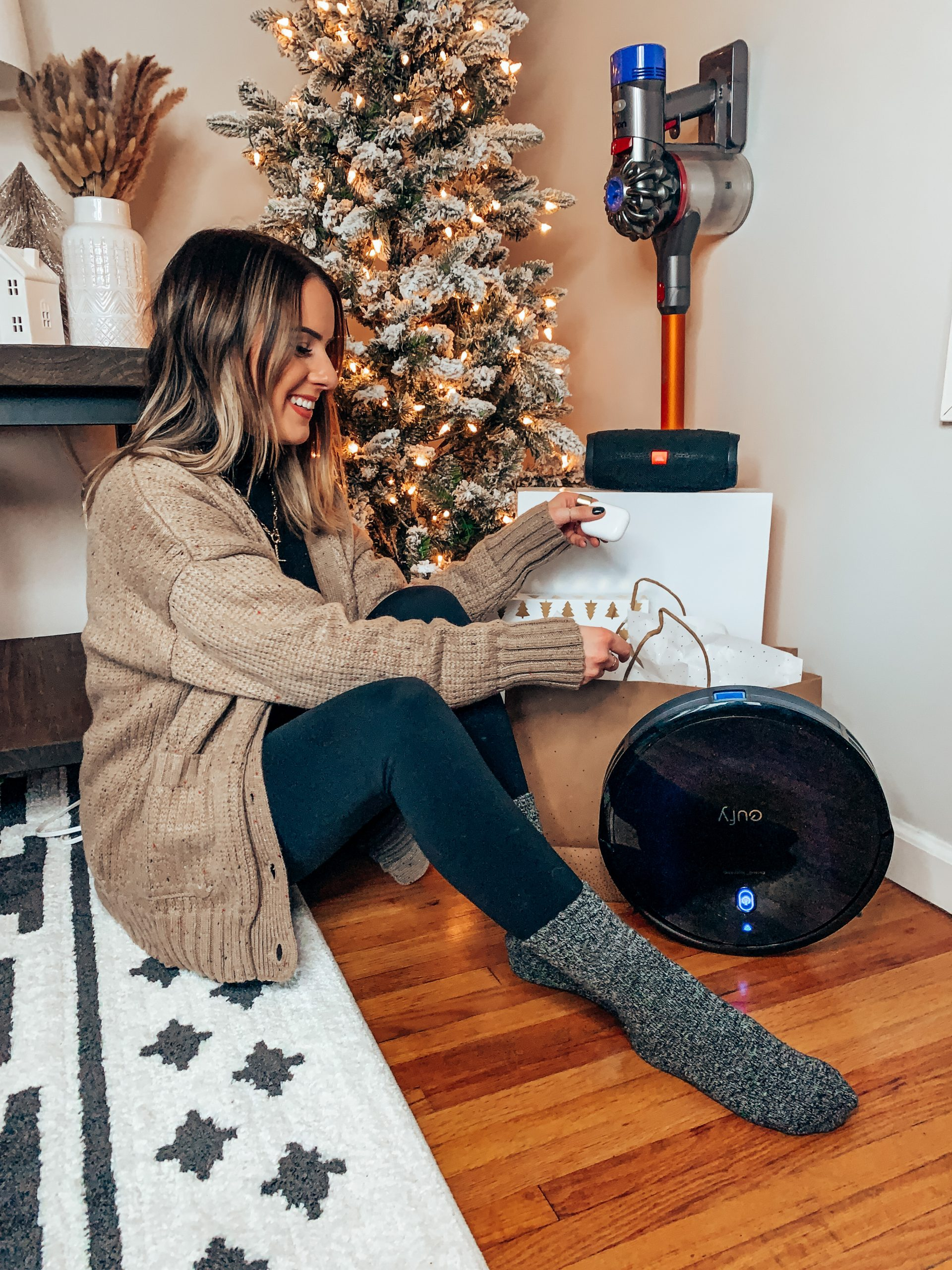 Easy Must Have Gifts from Walmart || Style blogger Lauren Meyer of The Lo Meyer Blog shares Easy Must Have Gifts from Walmart